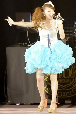 『GirlsAward 2013 SPRING/SUMMER』に出演した<br>mihimaru GTのhiroko