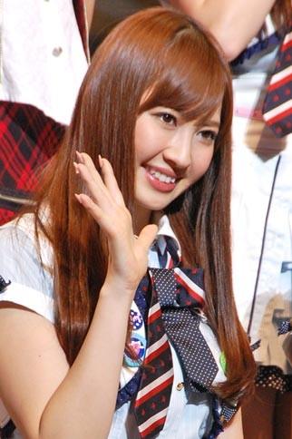 『第2回AKB48選抜総選挙』開票イベントの模様<br>7位 小嶋陽菜