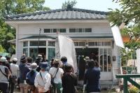 香川・小豆島にセットで建てられたグーチョキパン屋<br>⇒