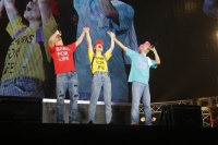 FUNKY MONKEY BABYS<br>『おまえ達との道 FINAL〜in 東京ドーム〜』の模様<br>(左から)ファンキー加藤、DJケミカル、モン吉