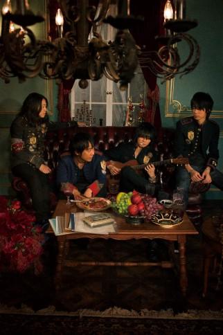 BUMP OF CHICKEN (左から)直井由文、升秀夫、藤原基央、増川弘明
