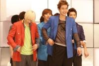 SUPER JUNIORのシングル「Mr.Simple」MVオフショット