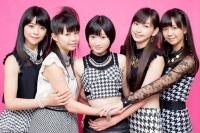 Juice=Juice <br>(左から)金澤朋子、高木紗友希、宮本佳林、植村あかり、宮崎由加