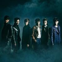 2PM(左からウヨン、ジュンケイ、ニックン、チャンソン、ジュノ、テギョン)