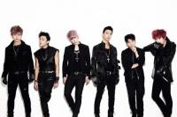 B.A.P <br>(左から)デヒョン、ジョンアプ、ヒムチャン、バン・ヨングク、ヨンジェ、ZELO