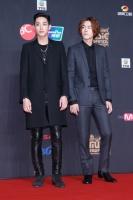 『2013MAMA』レッドカーペット ホン・ジョンヒョン&イ・スヒョク(C) CJ E&M