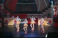 『第3回AKB48紅白対抗歌合戦』<br>【白組 3曲目】「波乗りかき氷」<br>(左から)田島芽瑠、西野未姫、岡田奈々、朝長美桜 (C)AKS