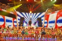 『第64回NHK紅白歌合戦』の初日リハーサルに参加した<br>NMB48[初出場/「カモネギックス」]と<br>細川たかし[出場37回目/「浪花節だよ人生は 2013」]<br><br>