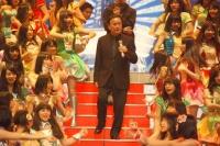 『第64回NHK紅白歌合戦』の初日リハーサルに参加した<br>細川たかし[出場37回目/「浪花節だよ人生は 2013」]と<br>NMB48[初出場/「カモネギックス」]<br><br>