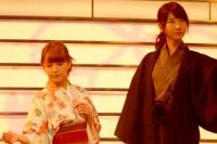 『第64回NHK紅白歌合戦』の初日リハーサルに参加した<br>演歌歌手の伍代夏子のステージに登場したAKB48メンバー<br>[出場20回目/「金木犀」]のステージに登場したAKB48<br><br>