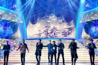 『第64回NHK紅白歌合戦』の初日リハーサルに参加した<br>三代目 J Soul Brothers(左から岩田剛典、NAOTO、登坂広臣、NAOKI、今市隆二、ELLY、山下健二郎)<br>[出場2回目/「冬物語」]<br><br>