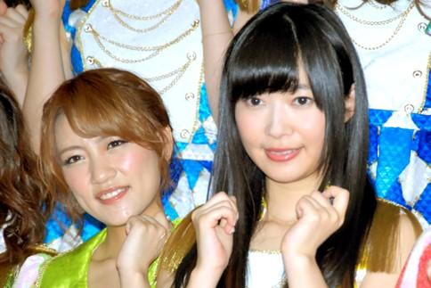 『第64回NHK紅白歌合戦』の初日リハーサルに参加した<br>AKB48(左から高橋みなみ、指原莉乃)<br>[出場6回目/「紅白2013SP〜AKB48フェスティバル!〜」]<br><br>