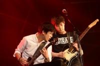 CNBLUE(左からジョン・ヨンファ、イ・ジョンヒョン)