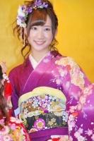 2014年のAKB48グループ 成人式記念撮影会に出席した<br> AKB48 チームK 鈴木紫帆里