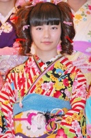 2014年のAKB48グループ 成人式記念撮影会に出席した<br> AKB48 チームB 島崎遥香