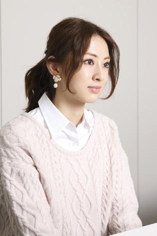 北川景子 映画『抱きしめたい -真実の物語-』インタビュー(写真:逢坂 聡)<br>⇒