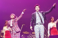 『2013 FNC KINGDOM IN JAPAN 〜Fantastic & Crazy〜』に出演したソン・ウンイとFTISLANDのスンヒョン