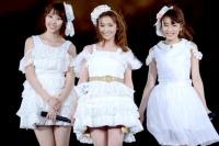『AKB48単独 春コンin国立競技場』(3月29日)の模様<br>藤江れいな、大島優子、梅田彩佳