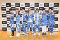GOT7(左から時計回りにベンベン、マーク、Jr.、JB、ジャクソン、ヨンジェ、ユギョム)