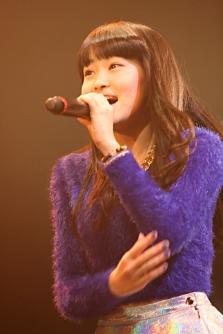 『oricon Sound Blowin' 2014〜spring〜』に出演した<br>LITTLE GLEE MONSTERの芹奈