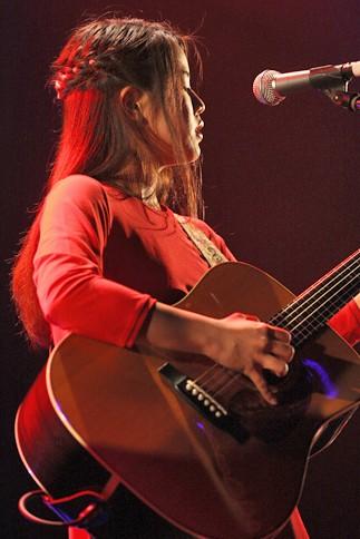 『oricon Sound Blowin' 2014〜spring〜』に出演した<br>Suzu