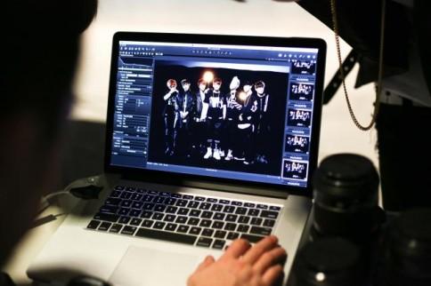 防弾少年団(BTS)のデビューシングル「NO MORE DREAM -Japanese Ver.-」のジャケット写真撮影の様子<br>