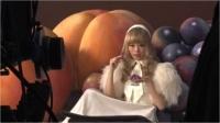 『アイスの実』CMでフランス人形風ファッションを披露するきゃりーぱみゅぱみゅ