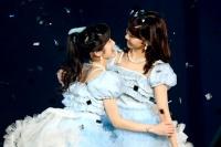AKB48の小嶋陽菜と柏木由紀