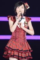 AKB48と乃木坂46兼任の生駒里奈
