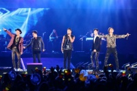 『a-nation stadium fes. 』1日目<br>BIGBANG(左からG-DRAGON、V.I、SOL、T.O.P、D-LITE)