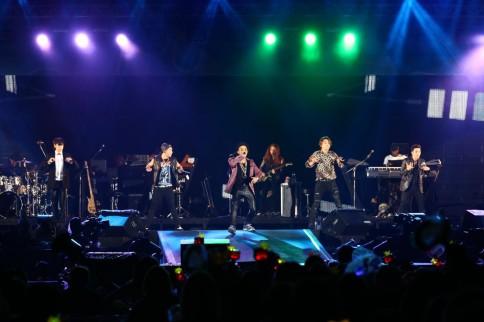 『a-nation stadium fes. 』1日目<br>BIGBANG(左からT.O.P、SOL、G-DRAGON、D-LITE、V.I)