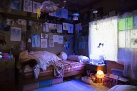 ベッドもクラゲに囲まれる