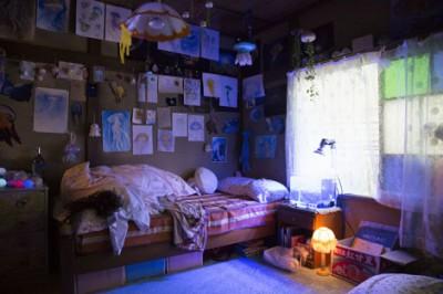 能年玲奈演じる月海のクラゲオタク部屋