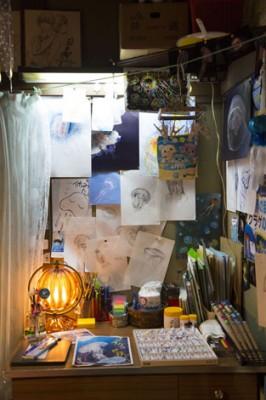 月海の部屋はクラゲのイラストが貼られている