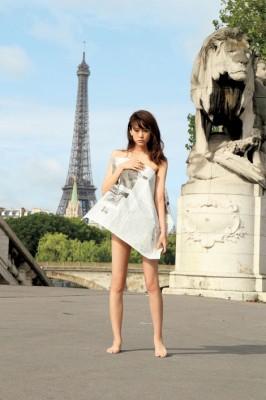 1st写真集『失恋、旅行、パリ。』