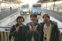 陣内智則、たんぽぽ・川村エミコとともに『ヒルナンデス!』の「沿線フォトさんぽ」コーナーに出演した高杉真宙(C)NTV