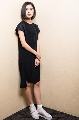 洋服が素敵な黒島結菜さん