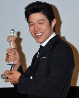 主演映画『HK/変態仮面』初日舞台あいさつ[2013年4月13日] (C)ORICON NewS inc.