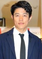 フォトブック『鼓動』(キネマ旬報社刊)発売記念イベントを行った鈴木亮平(C)ORICON NewS inc.