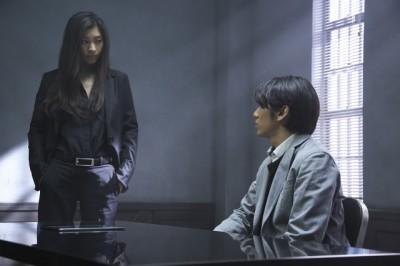撮影現場が公開された篠原涼子と永山絢斗の取調室のシーン