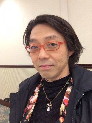 """""""女性装""""を始めた頃の安冨歩氏"""