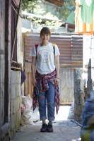 ドキュメンタリー番組『エシカルの贈りもの〜ハピネスをつくるデザイン〜』で訪れたフィリピン・パヤタス地区の路地裏にて