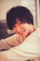 山崎賢人、20歳の素顔がつまったメモリアルBOOK『Scene #20』
