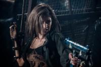 『バイオハザード:ザ・ファイナル』でハリウッドデビューを飾ったローラの出演シーン