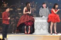 AKB48グループ『第6回じゃんけん大会』小嶋陽菜(AKB48 Team A)、小嶋真子(AKB48 Team 4)