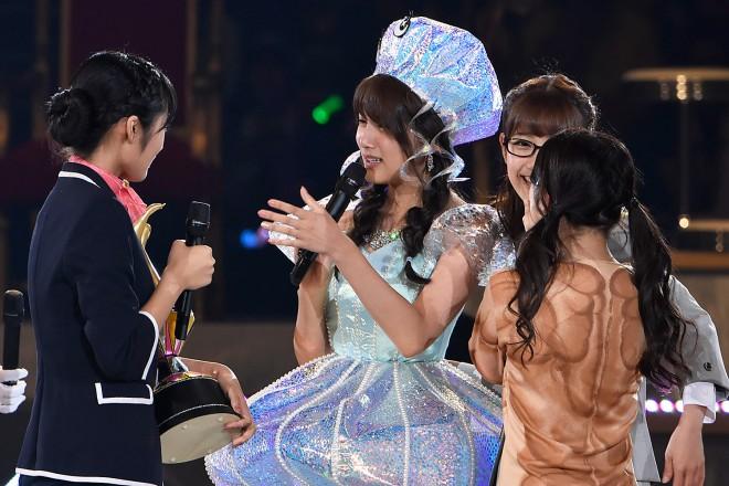 AKB48グループ『第6回じゃんけん大会』藤田奈那(AKB48 Team K)、伊豆田莉奈(AKB48 Team 4)、入山杏奈(AKB48 Team A)