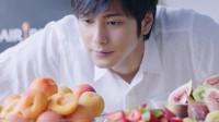 『ヘア レシピ』の新CM「ヘア レシピ キッチン」篇に出演した速水もこみち