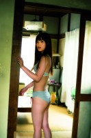 NMB48小谷里歩・初のソロ写真集『蛇口』