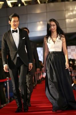 昨年の第20回釜山国際映画祭のレッドカーペットに登場したイ・ジョンジェ