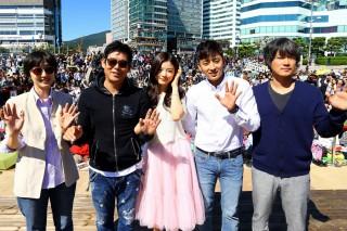 キム・ユジョン、ソン・ドンイルがステージに登場(『秘密』)